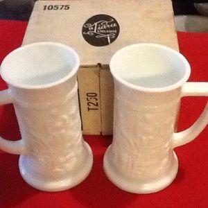 Tiara exclusive mugs